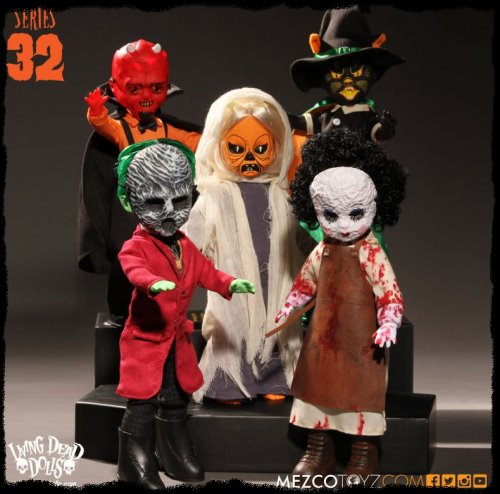 Living Dead Dolls Series 32 - Halloweens Of Yesteryear